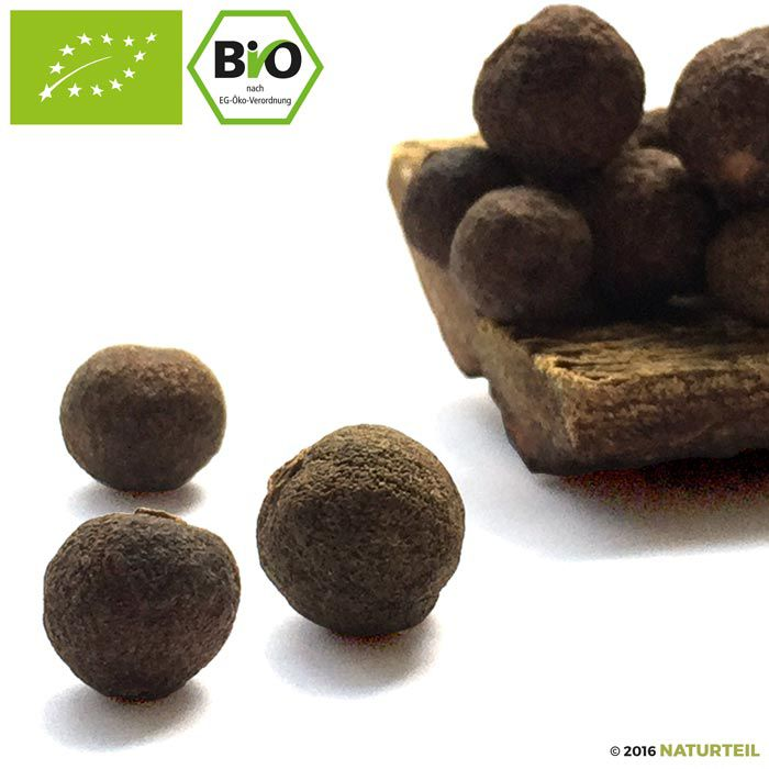 Organic Allspice whole in spice mill